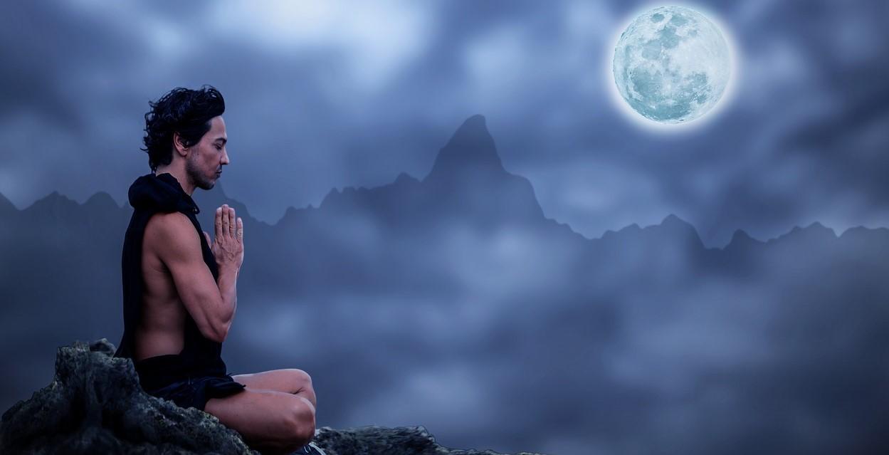 Chandra namaskar - Happy Yoga