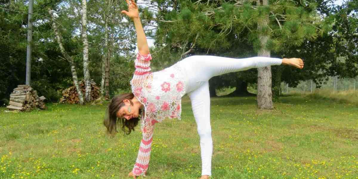 Demi lune1 - Happy Yoga